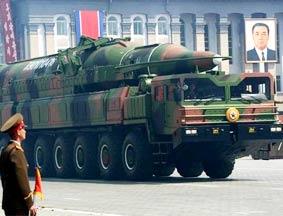 传朝最新远程导弹发射车是中国制造