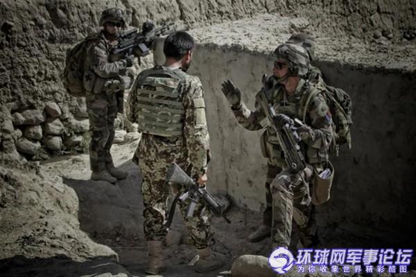 """环球网国际军情中心2012年4月20日消息:法国军队是ISAF(International Security Assistance Force即驻阿富汗""""国际安全援助部队"""")的重要组成部分,他们主要负责维护阿富汗的局势稳定以及与其他国家部队协同作战清剿塔利班。"""