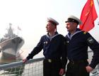 俄国水兵参观我神盾舰