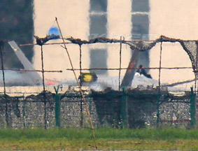 疑似2001号歼20战机座舱盖被拆除