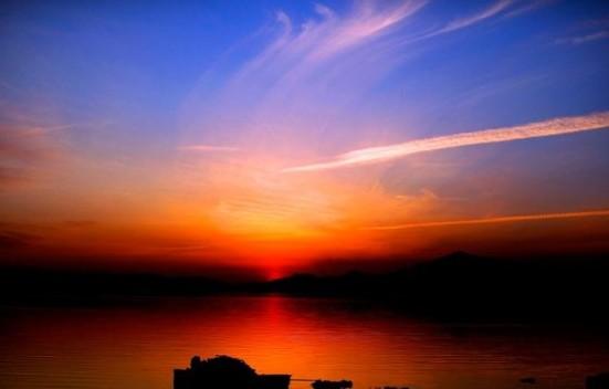 吉尔吉斯斯坦的天堂守护者:伊塞克湖