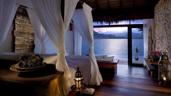 行至柬埔寨原始海岛 静享雅致旅游生活