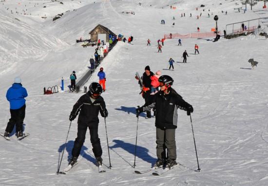 避开酷暑拥抱冰雪 去新西兰皇后镇滑雪