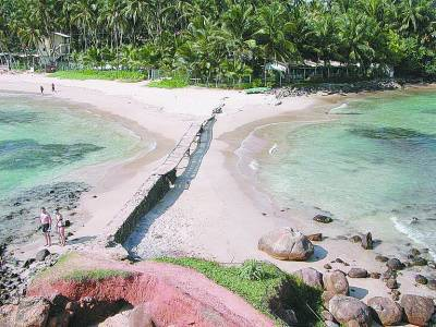 热带避暑 泰国隐秘小岛住廉价别墅