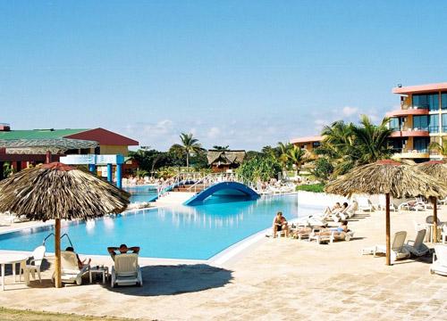 游走哈瓜海湾 古巴最年轻的城市