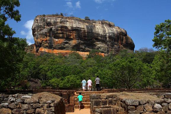 斯里兰卡狮子岩 惊艳的红色空中宫殿