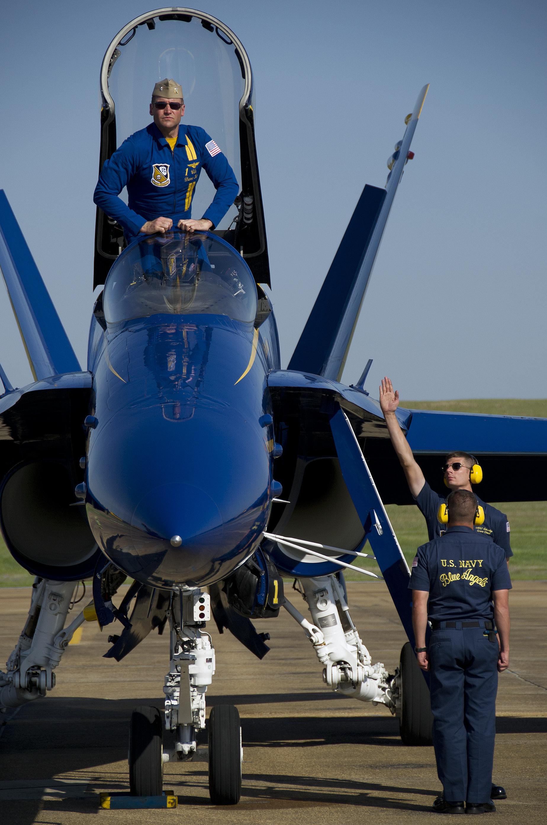 中国空军07飞行标志图片_美空军摄影师给飞行员拍照_军事_环球网