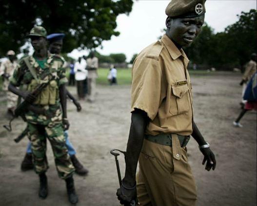 几名南苏丹人民解放军的士兵-打不死的小强 南苏丹人民解放军写照