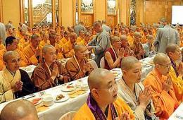 1300余僧人参与千僧宴