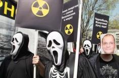 俄罗斯民众游行纪念切尔诺贝利核悲剧