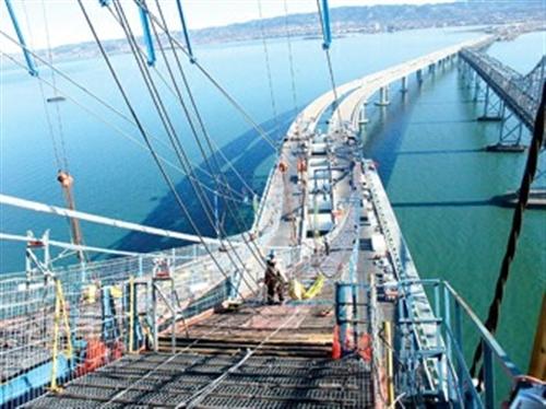 新海湾大桥将是全球最大跨度的单塔自锚抗震悬索钢结构桥梁,支撑着全