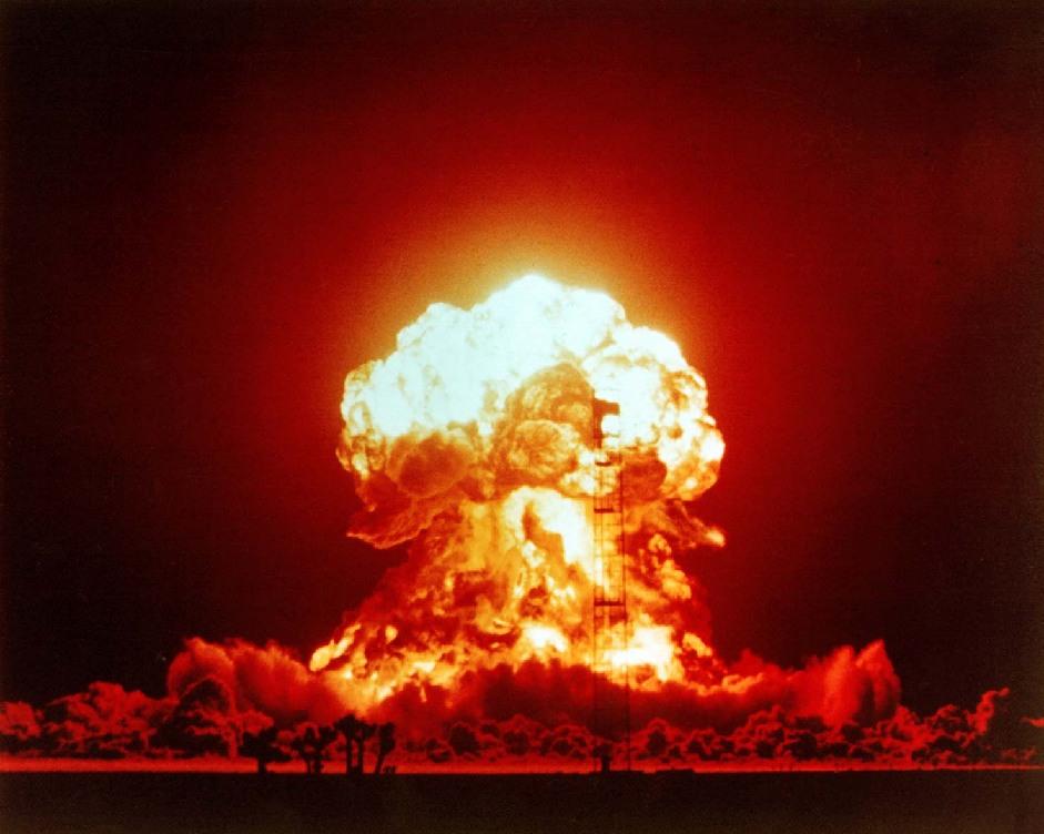 难得一见核试验爆炸图