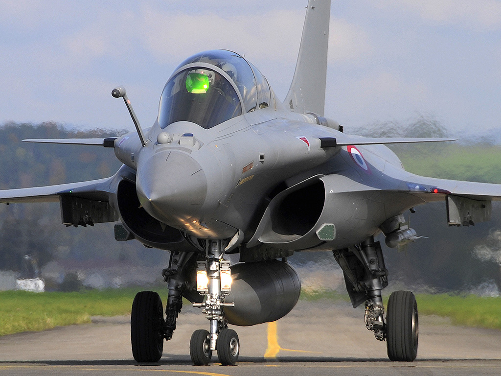 参谋长亲自试飞阵风战机图片