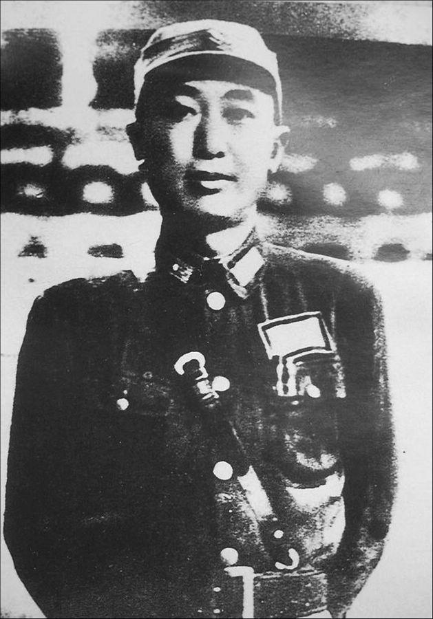 军衔 国民党/孙立人(1900-1990),字抚民,安徽巢湖人,上将军衔。...
