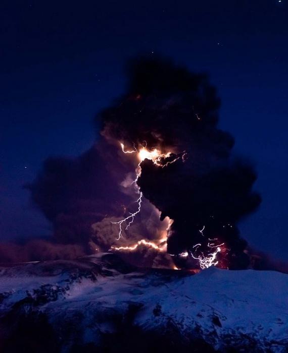 风光摄影:火山风暴