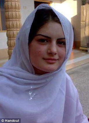 巴基斯坦美女歌手欲离婚遭 竖