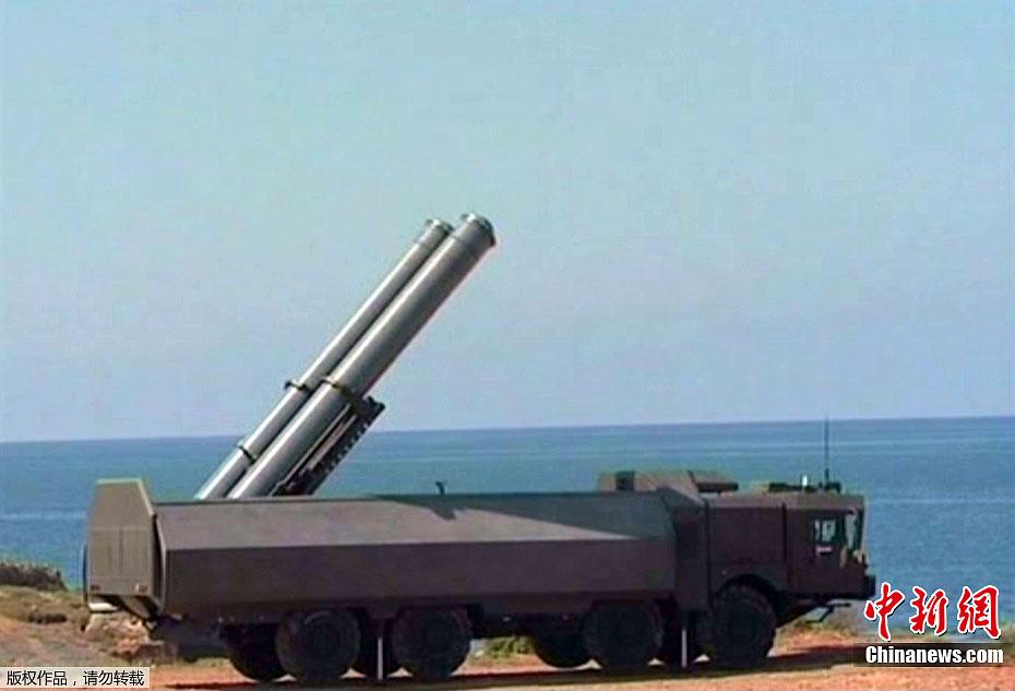 叙利亚/叙利亚举行海上军演发射导弹(4/7)