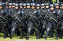 墨西哥女特警全副武装