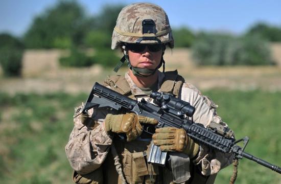 美军女大兵一样很有范