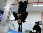 伊朗女忍者的功夫了得