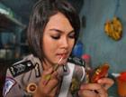 看印度尼西亚女警花