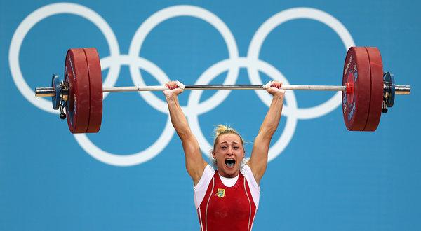 四肢颤抖血管突起 举重时运动员在想什么