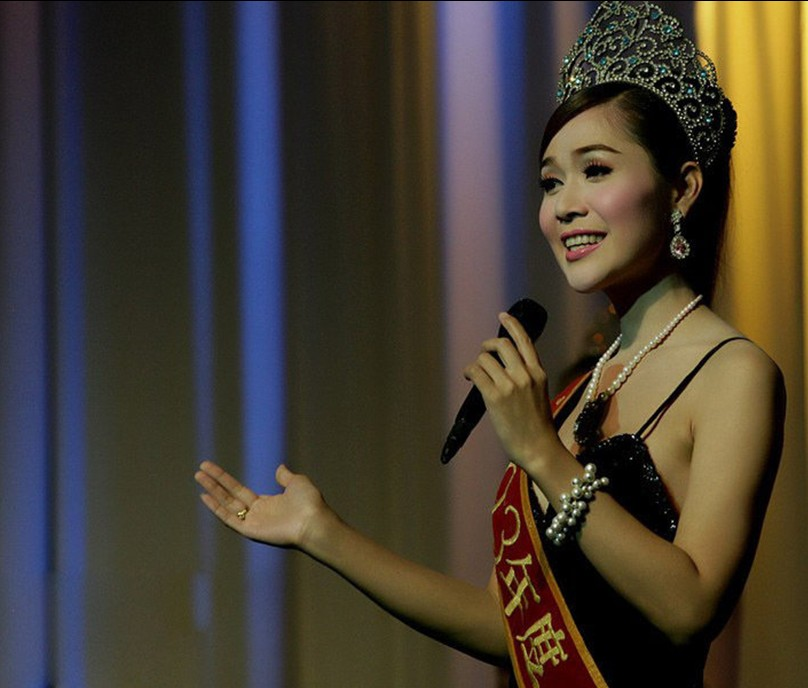 泰国 人妖皇后 选美图片