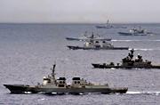 美日韩军舰在太平洋上赛龙舟