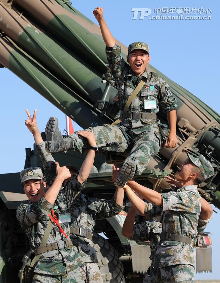我军300MM火箭炮超远距离射击全命中【组图】 - 春华秋实 - 开心快乐每一天--春华秋实