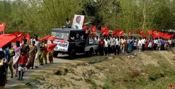 印度毛派武装要把红旗插遍印度