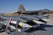 美军加强F-22战机对地攻击能力
