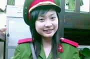 实拍越南女学生真实军训生活