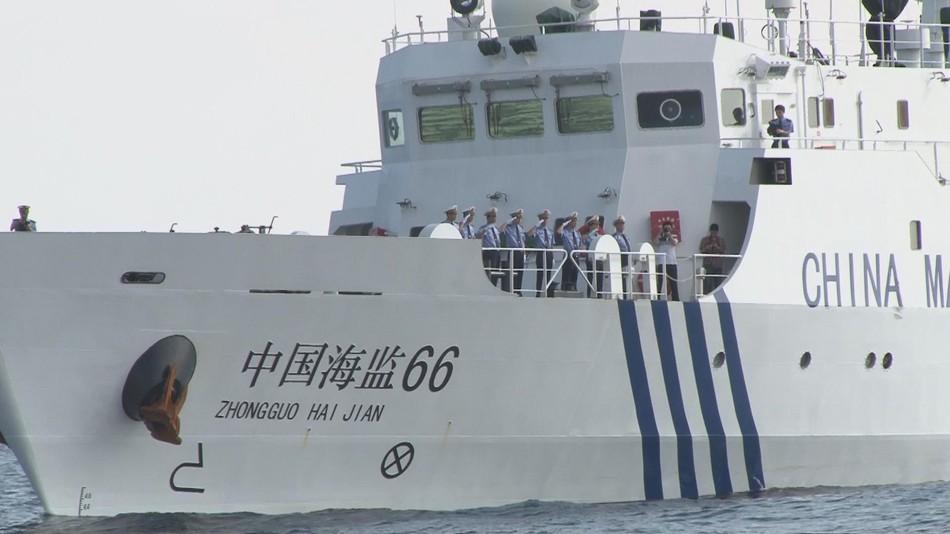 中国海监编队直冲钓鱼岛