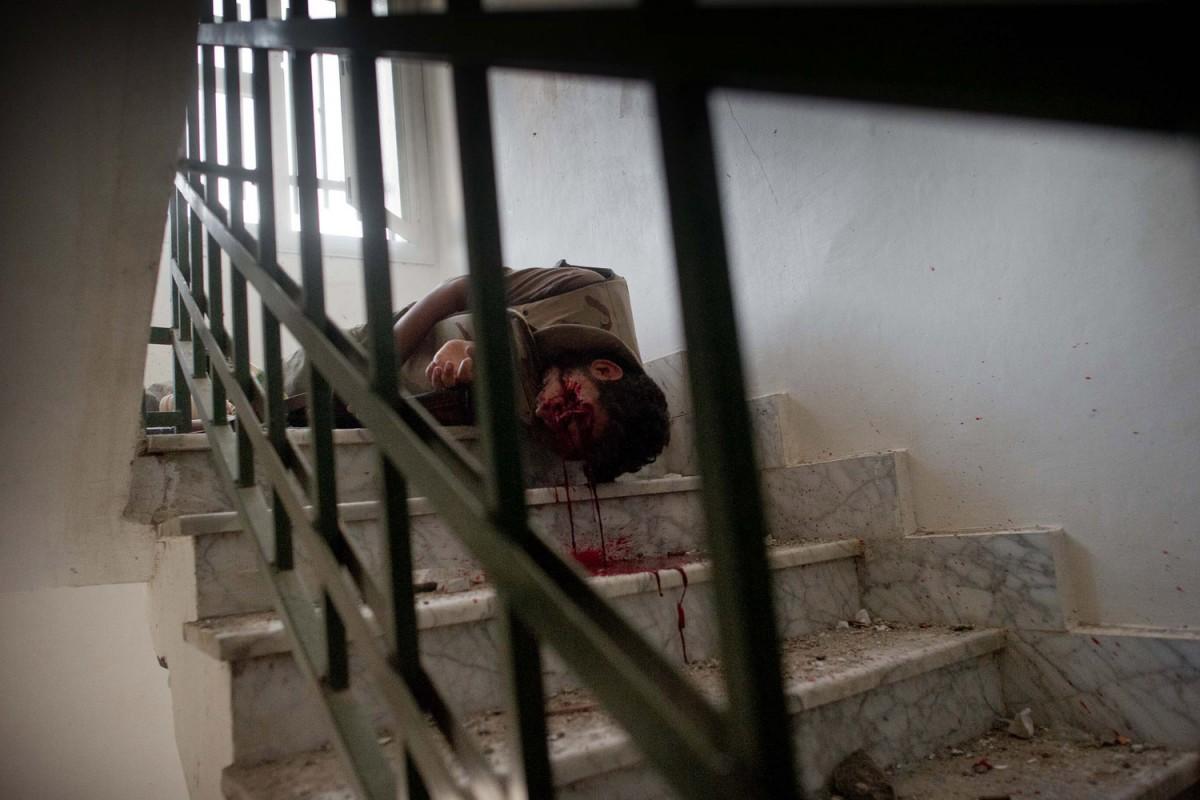 国际资讯_Rémi Ochlik:牺牲战场的摄影师_摄影_环球网