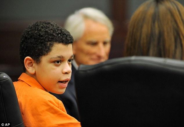 13岁少年被当作成年人接受法庭的审判,引起各方争议.据报道,13
