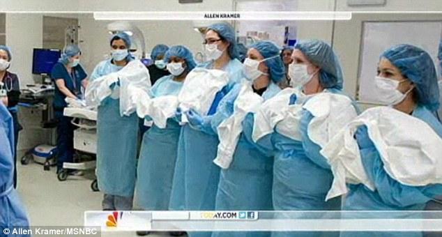 家人 胞胎 团聚 出院 一员/美六胞胎一员病后出院与家人团聚(8/13)