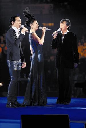 环球网 娱乐 音乐-港台 正文    一连四晚的《叶倩文完全是你演唱会》图片