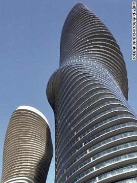 国际资讯_加拿大奇特建筑蜿蜒曲折 酷似玛丽莲梦露(图)_国际新闻_环球网