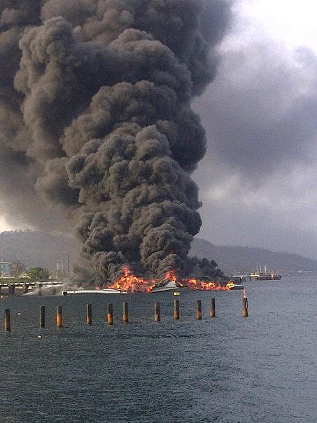 军事资讯_印尼最先进隐形三体导弹艇失火烧毁_国际新闻_环球网