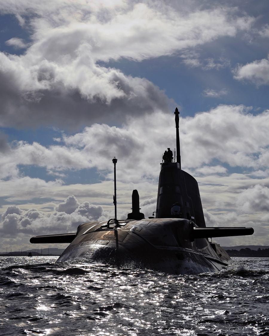 看看 英镑/看看12亿英镑造的潜艇有何能耐(5/10)