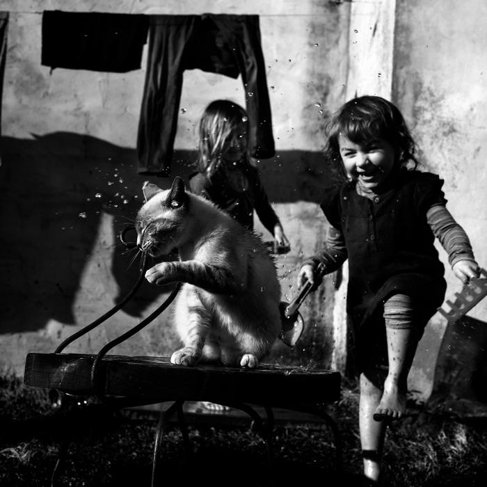 人像摄影:黑白儿童照