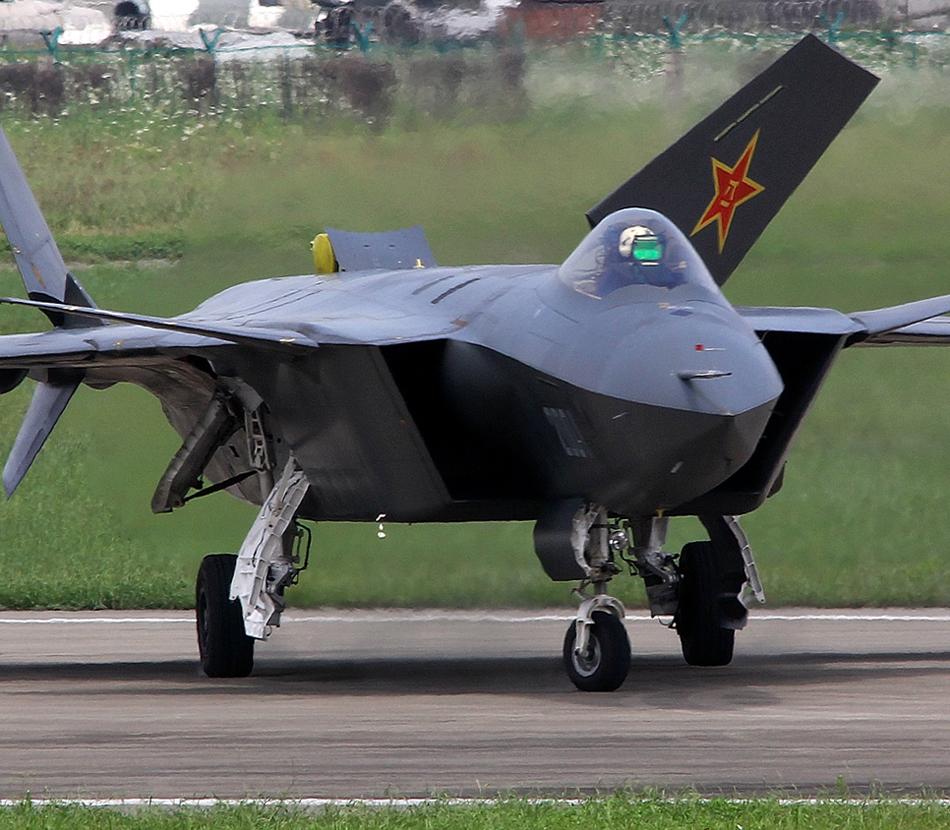 海外热议歼20装雷达 是否为新原型机存疑
