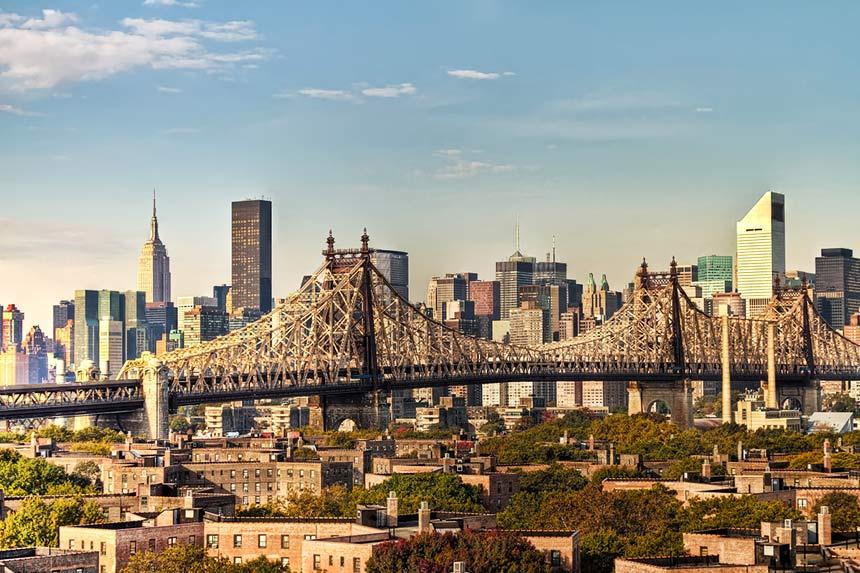 纽约 帝国大厦、克莱斯勒大厦、都会人寿大厦……还需要继续罗列吗