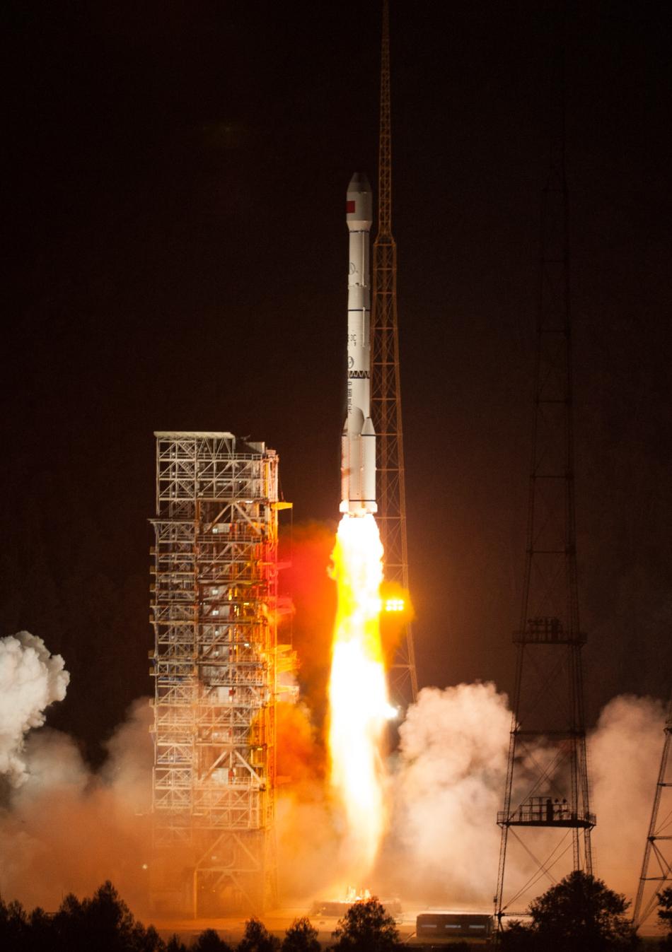 社会资讯_第16颗北斗导航卫星成功发射_军事_环球网