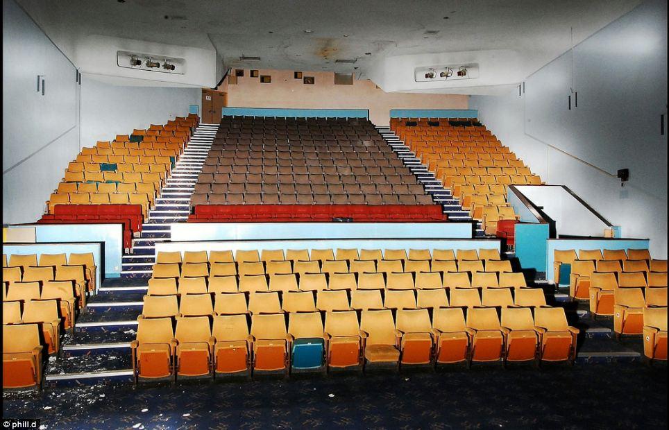 剧场 豪华 荒废 英镑 年后/英豪华剧场荒废10年后仅售1英镑(14/14)