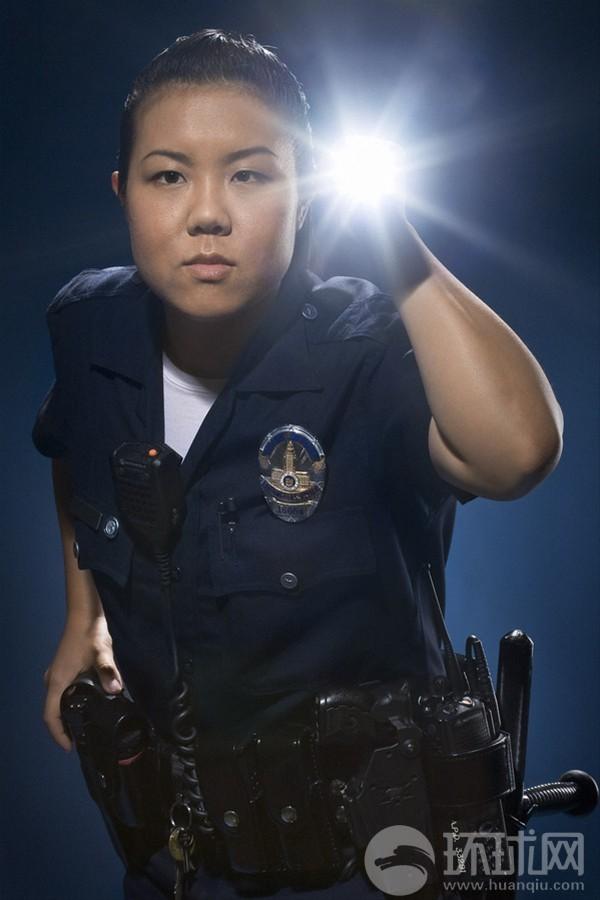 财经资讯_看看洛杉矶警察装备怎么样_军事_环球网