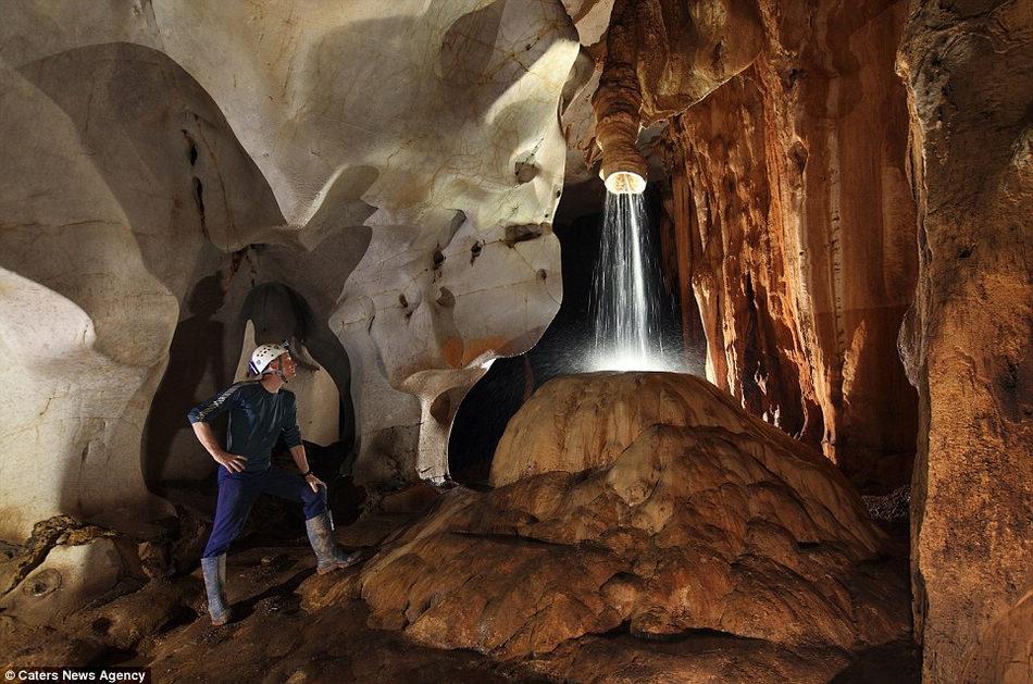 英国探险家环游世界寻找最美洞穴 - 浪子心声 - 浪子心声