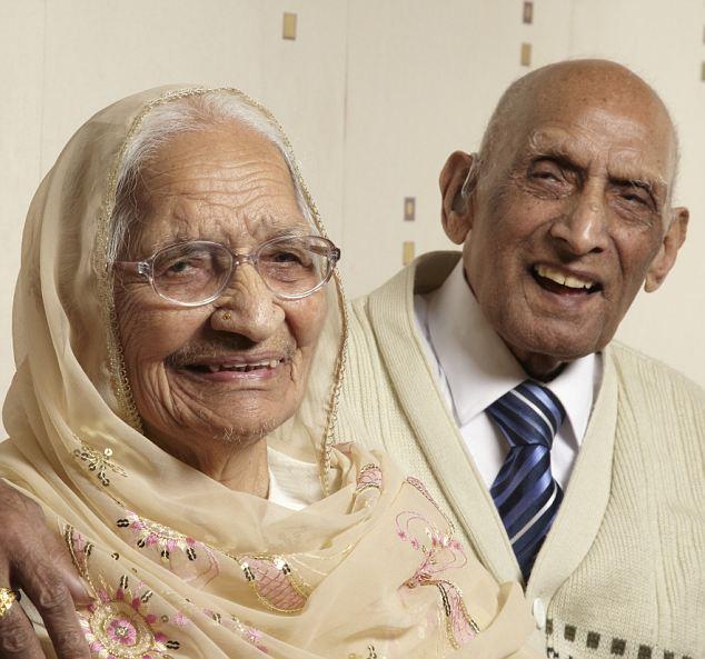 世界婚龄最长夫妻结婚87年仍恩爱 近日他们分享了维持长久爱情的秘密