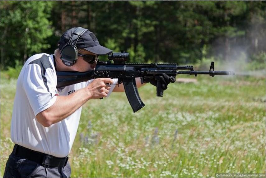 俄展开对AK-12步枪测试工作