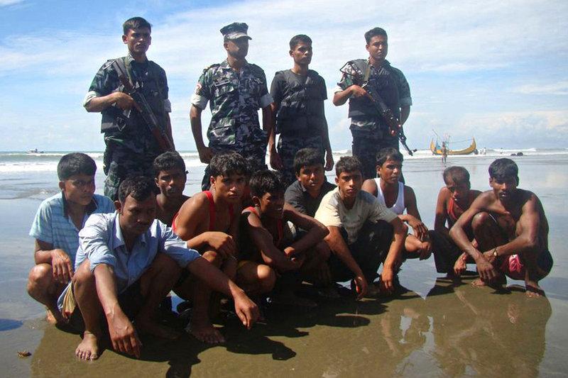 7日,一艘载有缅甸罗兴亚难民的船只当天在孟加拉国附近海域沉没